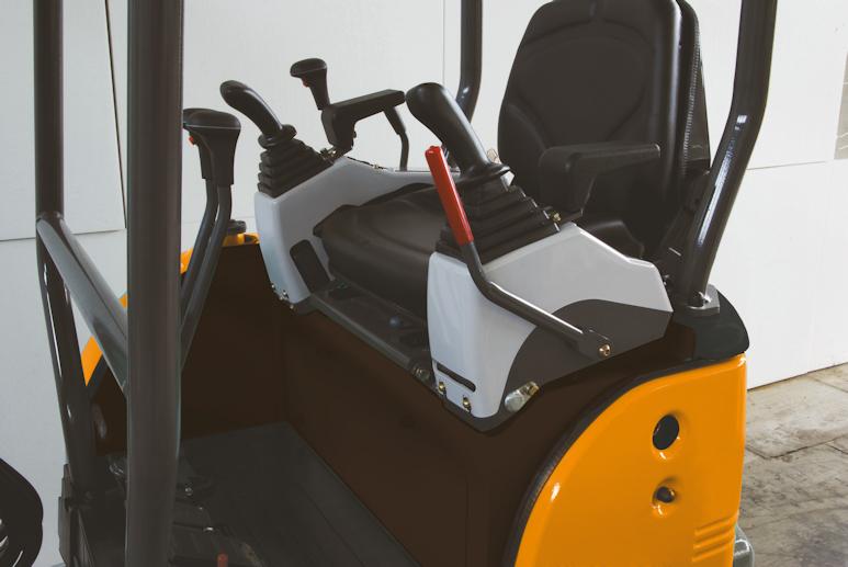 KATO 17 VXE Minibagger Steuerung
