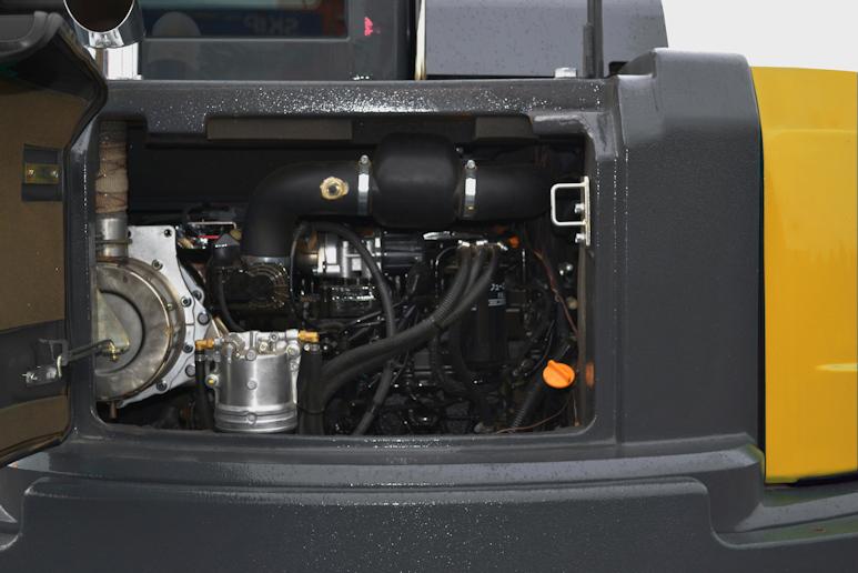 KATO 85 V4 Kurzheckbagger mit 42 kW Leistung